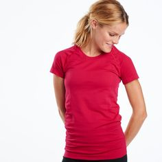 The Wazelle Short Sleeve features soft, never clingy seamless construction in solid rich colors. Soft fabric wtih an anti-odor treatment and wicking properties for warm running weather, and great for layering in fall and winter.