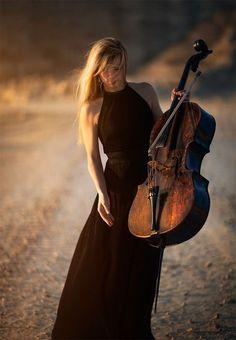 Cello IbyThorbjørn FesselonFivehundredpx