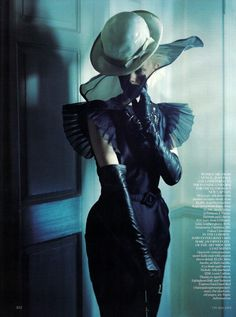 The Lady Who Fell to Earth by Tim Walker for Vogue UK Oct.