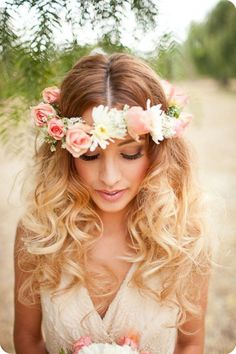 brown to blonde ombre color loose wavy with flower crown for medium hair wavy hairstyles