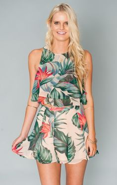 This palm leaf print is everything.