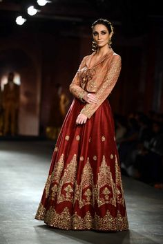 Like the combo color, Anju Modi for Delhi Couture week 2014.