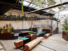 beer garden at Howler by Splinter Society Architecture - News - Frameweb