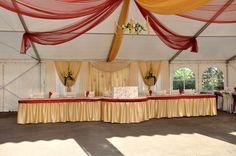 A bordó és az arany, mindig előkelő hatást nyújt! Valance Curtains, Home Decor, Decoration Home, Room Decor, Home Interior Design, Valence Curtains, Home Decoration, Interior Design