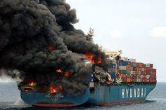 Incendio en un buque portacontenedores