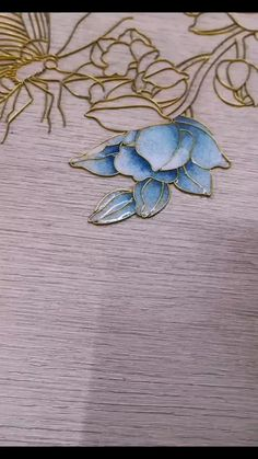 Cloisonne filigree drawing orchid Traditional cloisonne art can also be beautiful. You can customize Glass Painting Patterns, Glass Painting Designs, Paint Designs, Fabric Painting, Wire Art Sculpture, Wire Sculptures, Abstract Sculpture, Bronze Sculpture, Aluminum Foil Art