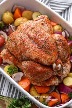 We seriously love roast chicken It is so tender and delicious we can t get enough of it all year spendwithpennies roastchicken roastedchicken wholechicken wholeroastchicken chickendinner chicken Baked Whole Chicken Recipes, Oven Roasted Whole Chicken, Roasted Vegetables With Chicken, Oven Vegetables, Cooking Whole Chicken, Roast Chicken Recipes, Roasting Chicken In Oven, Keto Chicken, Chicken