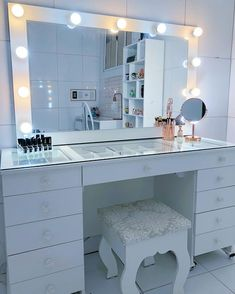 My Beautiful Ladies! Let me Educate you on the importance of a vanity m. Cute Bedroom Ideas, Cute Room Decor, Room Ideas Bedroom, Girl Bedroom Designs, Bedroom Decor, Bedroom Bed, Bedroom Dressing Table, Dressing Room, Makeup Room Decor