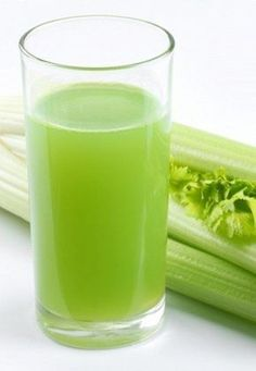oczyszczający z kiwi i selera Healthy Shakes, Reduce Inflammation, Brain Health, Milkshake, Glass Of Milk, Drinking, Food And Drink, Health Fitness, Weight Loss