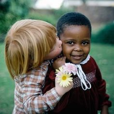 A white person's guide to having a black friend Kids Around The World, We Are The World, People Of The World, Precious Children, Beautiful Children, Beautiful Babies, Friend Pictures, Baby Pictures, Funny Babies