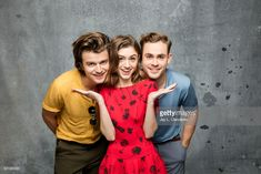 Cast of 'Stranger Things' (Joe Keery, Natalia Dyer, and Dacre Montgomery) are photographed in the L. Times photo studio at Comic-Con in San Diego, CA on July Stranger Things Joe Keery, Stranger Things Aesthetic, Stranger Things Netflix, Stranger Danger, Film Manga, Dacre Montgomery, Memes, Hollywood Celebrities, Celebrity News