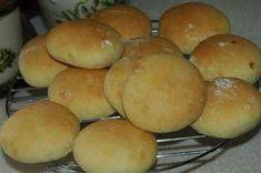 Petits pains très tendres, tout moelleux. Un délice