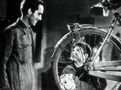 LE VOLEUR DE BICYCLETTE (LADRI DI BICICLETTE) de Vittorio De Sica  Italie, 1948, 1h30, VOSTF Avec Lamberto Maggiorani, Enzo Staiola, Lianella Carell