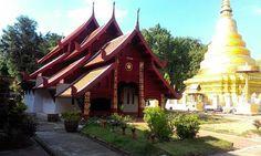Wat Phra Thet Sadet, a little northeast of Lampang