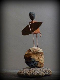 Mutoz inc. Driftwood Projects, Driftwood Art, Art Pierre, Surf Art, Beach Crafts, Wooden Art, Wood Sculpture, Sculptures, Beach Art