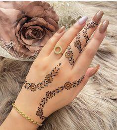 Pretty Henna Designs, Modern Henna Designs, Latest Henna Designs, Finger Henna Designs, Back Hand Mehndi Designs, Mehndi Designs Book, Mehndi Designs For Girls, Mehndi Designs For Fingers, Mehndi Design Images