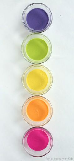 Super easy no-cook naturally dyed fingerpaints for babies or toddlers - and it's taste-safe!  From Fun at Home with Kids
