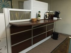 6x9 Evolve Station-Can be converted into a reception Station. (1) Mobile pedestal with seat cushion Priced to sell $500