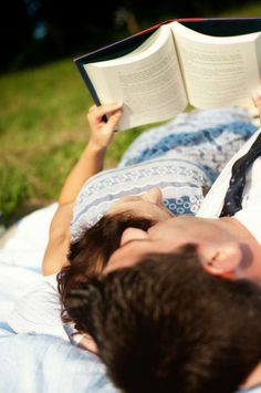 couple-engagement-book-read-love
