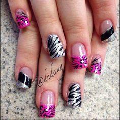 I like those gel nails