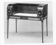 Mesas Vintage: Mesa de Servicio (1800–1810) [Álamo, Caoba, Ébano, EE.UU, Madera, Madera blanda, Marmol, Palo santo, Pino]