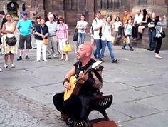 Luc Arbogast, street Performer in Strasbourg. Ascoltandolo, non crederete alle vostre orecchie