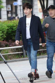 Lee Junho, Kpop, Style, Singers, Swag, Outfits