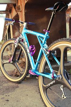 GT Zaskar with Spin Wheels Gt Mountain Bikes, Mountain Bike Races, Gt Bikes, Road Bikes, Urban Bike, Bmx Bicycle, Bike Art, Classic Bikes, Bike Design