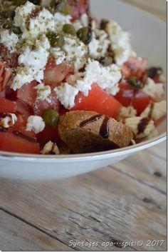 greek salat Salad Bar, Salad Dressing, Caprese Salad, Gravy, My Recipes, Healthy Snacks, Cooking, Dressings, Food