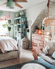 Small Space Living Feature- You won't believe this RV! Home Bedroom, Girls Bedroom, Bedroom Decor, Lego Bedroom, Childs Bedroom, Kid Bedrooms, Boy Rooms, Nursery Decor, Deco Boheme