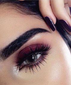 Tener pestañas largas ayuda a que tus ojos luzcan más #eyes #makeup #eyelashes #ojos #maquillaje #style #beauty