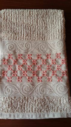 Stitch Kit, Chain Stitch, Small Bedroom Organization, Hand Embroidery Videos, Herringbone Stitch, Easy Diy Gifts, Bargello, Cross Stitch Rose, Straight Stitch