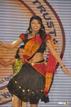 Hasika at Cinemaa Mahila Awards 2013 (11)