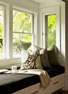 Would love to try this. bay window seating cozy bench