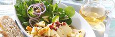 Apfel-Feldsalat mit mariniertem Camembert World Recipes, Potato Salad, Cabbage, Vegetables, Ethnic Recipes, Food, Salads, Apple Recipes, Food Food
