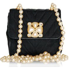 Vintage Chanel evening bag with pearls.