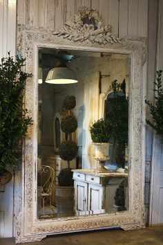 Awesome Large Wall Mirror Decor Ideas Decorating With Large Wall Mirrors Awesome Large Wall Mirror Decor Ideas. Wall mirrors can give a modern look and feel to any area when hung in strateg… Design Patio, House Design, Decoration Shabby, South Shore Decorating, Beautiful Mirrors, Beautiful Soul, Beautiful Pictures, Stunningly Beautiful, Beautiful Things