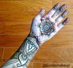 Henna hand / Palm