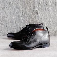 Luxurious deerskin chukka boots by Maestro Antonio Maurizi.  A few pairs left. Only at 124.  #124shoes #124sydney #antoniomaurizi #eliamaurizi #menshoes #mensboots #blackboots #deerskin #italianboots #chukkas #chukkaboots #madeinitaly #fattoinitalia #handmade #fattoamano #artisan #artigianale #thegaleries #emporiummelbourne #shoestagram #suitup #sydney #melbourne