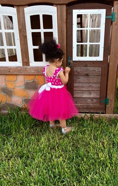 Minnie Mouse Birthday Outfit Pink Minnie Mouse by TitasBoutique Pink Minnie Mouse Dress, Minnie Mouse Birthday Outfit, Minnie Mouse Costume, Birthday Tutu, Birthday Dresses, Mouse Outfit, Baby Tutu Dresses, Pink Tutu Dress, Disney Dresses