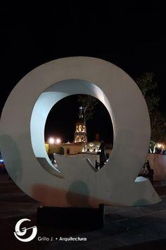 Plaza Los Fundadores, Templo de la Cruz, Querétaro, México