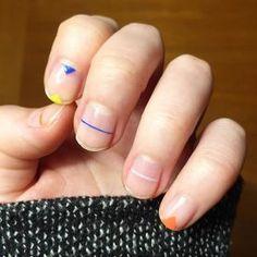 Elegant And Minimalist Nail Art Design Ideas 47