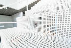 Trap in geperforeerde staalplaat met spantleuning, afbeelding 7