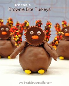 Reese's Brownie Bite Turkeys - Brownies, Peanut Butter Cups, And Chocolate Covered Pretzels For A Fun Turkey Day Treat  Www.insidebrucrew...