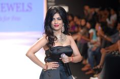 Shibani Kashyap Perfoms at IIJW 2014 Bollywood Wallpaper MADHUBANI PAINTINGS MASK PHOTO GALLERY  | I.PINIMG.COM  #EDUCRATSWEB 2020-07-27 i.pinimg.com https://i.pinimg.com/236x/45/c8/54/45c8544507416799c5be687ac2a3fc75.jpg