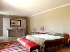 Une salle de bains au fond de la chambre - lingerie, luxury, sheer, la perla, pink, black lingerie *ad