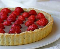 Křehký koláč s jahodami a nutella mascarpone