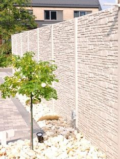 You can order concrete fence Montana at - Roundtables. Concrete Fence Wall, Concrete Garden, Concrete Blocks, Fence Planters, Front Fence, Backyard Fences, Montana, Exterior, Patio