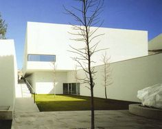 Image on Archisquare • Architettura Design Blog  http://www.archisquare.it/eduardo-souto-de-moura-centro-darte-contemporanea-di-braganca-braganca/