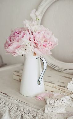 <3 one of my all time favorite country flowers!! <3 Peonies!! Got Ants?? :)